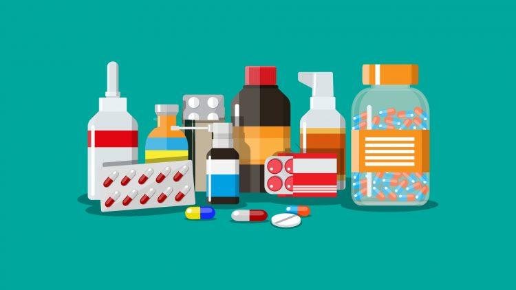 Medikamentenpackungen, Sprays, Flaschen